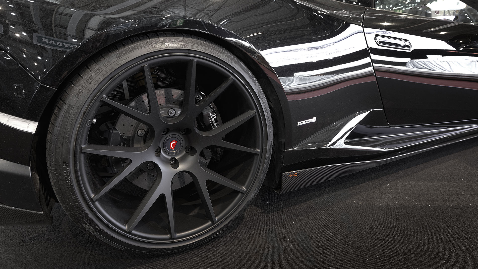 Massive 21 inch wheels at the rear
