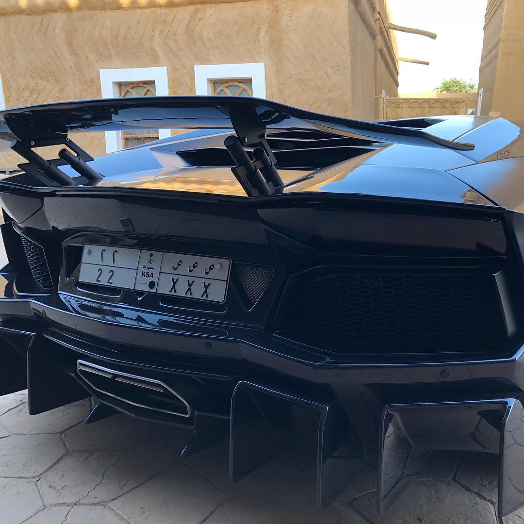 Lamborghini Aventador Carbon Fiber Wing Spoiler Hydraulic